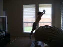 Viern. Ag. 15 '08 - Ilis saltando (4)